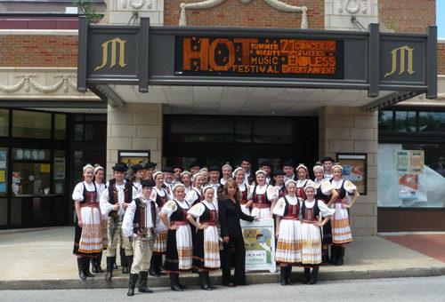 Lúčnica: Spevácky zbor sa vrátil z turné v USA!
