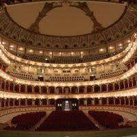 Bari Teatro Petruzzelli, Italy (Lúčnica 19.12.2013)