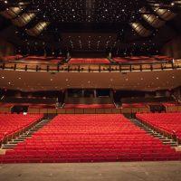 Queen Elizabeth Theatre Vancouver, Canada (Lúčnica 3.3.1976)